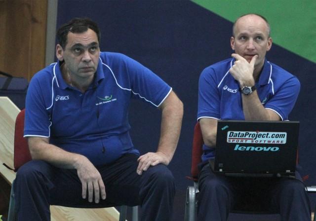 Bogdan Serwiński (z lewej) i drugi trener Ryszard Litwin