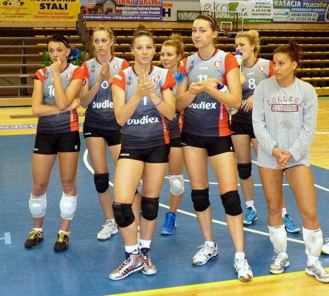 Siatkarki z Torunia pozostają w tym sezonie bez wygranej na wyjeździe. W piątek przegrały w Krośnie z Karpatami 0:3.