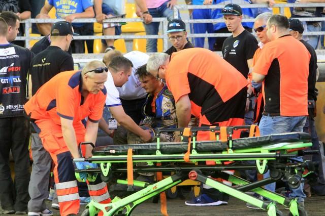 Po upadku w niedzielnym meczu Adrian Miedziński złamał dwie kości i będzie odpoczywał miesiąc