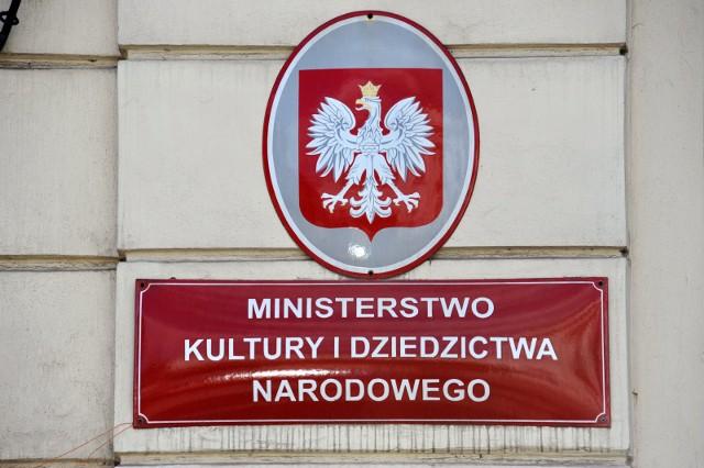 Ustawa o uprawnieniach artysty zawodowego. Ponad 50 organizacji zrzeszających polskich twórców występuje ze wspólnym apelem