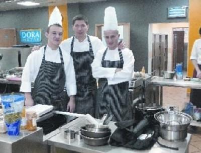Paweł Salamon (w środku) ze swoją dzielną ekipą, czyli Bartoszem Lenkiewiczem i Markiem Ciureją
