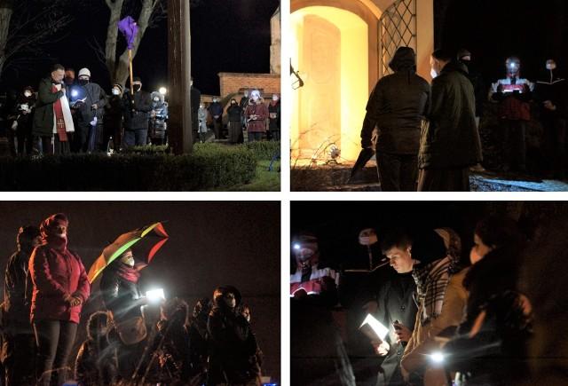 W Pakości, w ramach wielkopostnych obchodów kalwaryjskich, odbyła się nocna droga krzyżowa. Rozpoczęła się wieczorem w Wielki Czwartek, a zakończyła nad ranem w Wielki Piątek