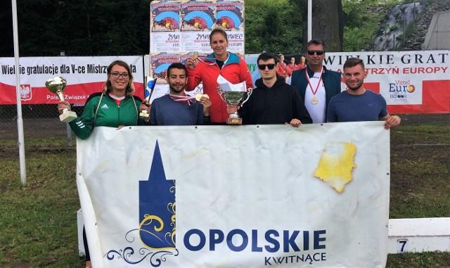 Prudnicka ekipa na Młodzieżowe Mistrzostwa Polski w Żywcu.