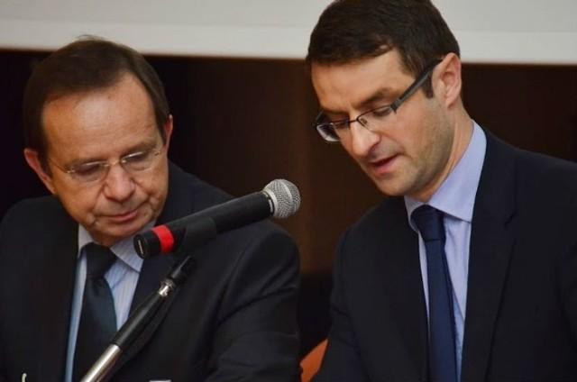 Wtorkową konferencję zorganizowali europoseł Tomasz Poręba i Władysław Ortyl, marszałek województwa. To już trzecie spotkanie w sprawie ratowania linii kolejowej.
