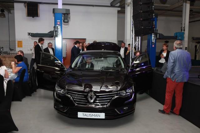 Jubileusz 25-lecia firmy Dąbrowscy w Zabrzu z premierą Renault TalismanJubileusz 25-lecia firmy Dąbrowscy w Zabrzu z premierą Renault Talisman