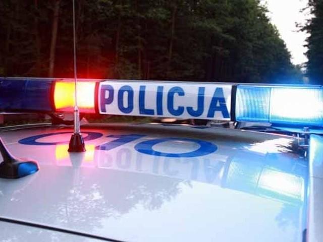 Policja zatrzymała wandala w jednej z podłomżyńskich miejscowości. Pod wpływem alkoholu niszczył budynki.