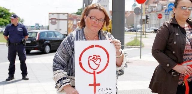 Bogna Czałczyńska jest prezeską Fundacji Czas Dialogu. Działa na rzecz praw kobiet i przeciwdziałania przemocy wobec nich