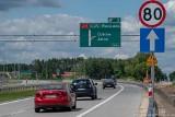 S17. Budowa ostatnich odcinków w kierunku Warszawy już prawie zakończona. Kiedy pojedziemy z prędkością 120 km/h?