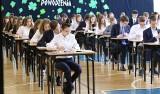 Jak liczy się punkty po ukończeniu 8 klasy? Rekrutacja do szkół średnich na rok 2021/2022 dla absolwentów szkół podstawowych