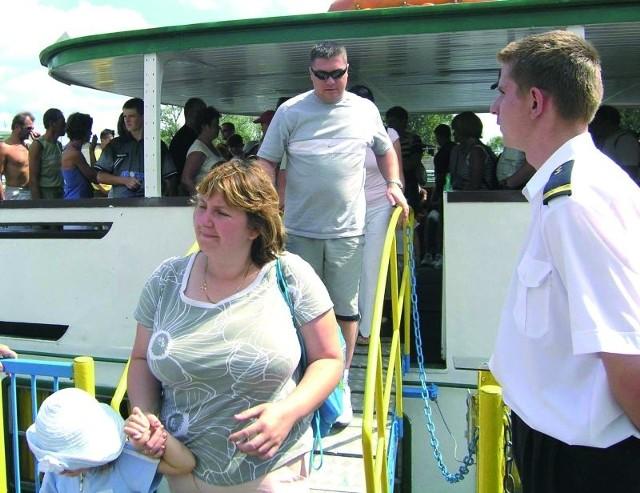 W ubiegłym roku Żegluga Augustowska przewiozła prawie 100 tys. pasażerów. Szef firmy wierzy, że w tym sezonie będzie jeszcze lepiej.