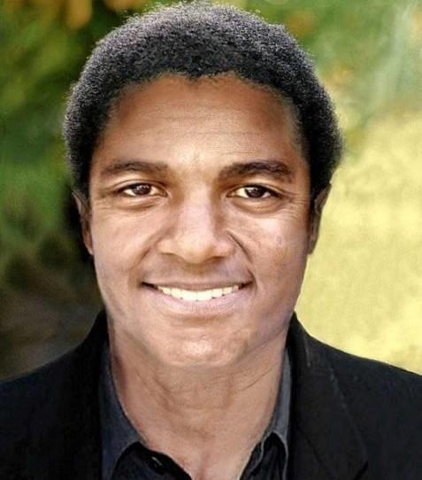 Michael Jackson dążył do doskonałości. Komputerowo wygenerowana twarz wygląda jednak zdecydowanie naturalniej