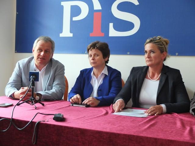 Przedstawicieli opolskiego PiS zapewniali, że ustawa jest korzystna dla rolników indywidualnych.