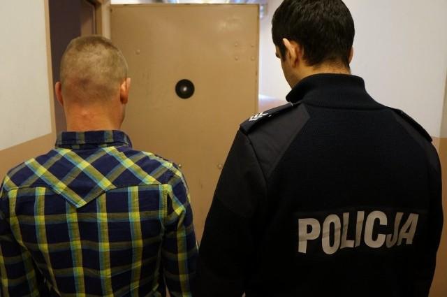 Racibórz. Bandyci weszli do mieszkania na Rudzkiej. Skopali i okradli właściciela