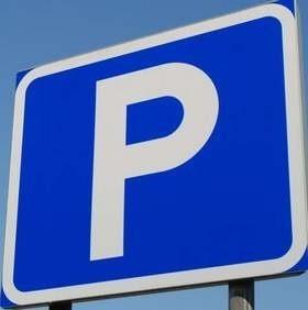 Boje burmistrza Brzegu z radą o strefę płatnego postoju z parkomatami trwają od kilku miesięcy. (fot. archiwum)
