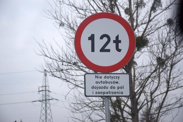 Obwodnicę Kluczborka otwarto w kwietniu 2020 r. Od tego roku wprowadzono zakaz wjazdu do miasta tirów.