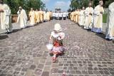 700-lecie procesji Bożego Ciała w diecezji. Krakowianie tłumnie uczestniczyli w procesji [ZDJĘCIA]