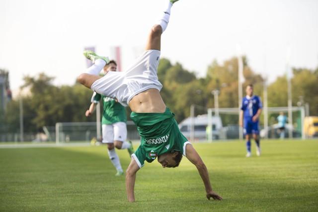 Rossi Leandro po strzeleniu gola Okocimskiemu Brzesko.