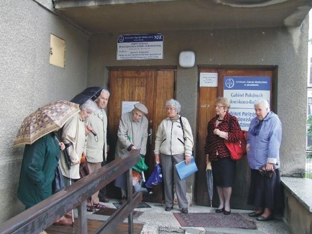 - Przychodnia nadal może istnieć w tym miejscu – twierdzą mieszkańcy Jarosławia.