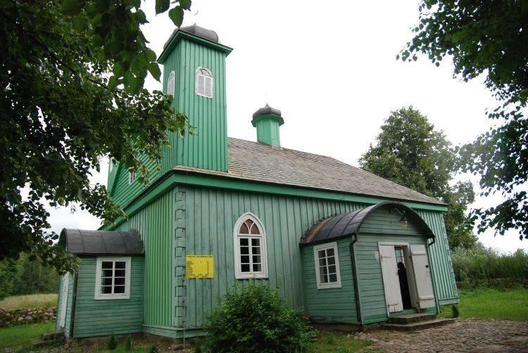 Kruszyniany słyną z tatarskiej tradycji. W centralnym...