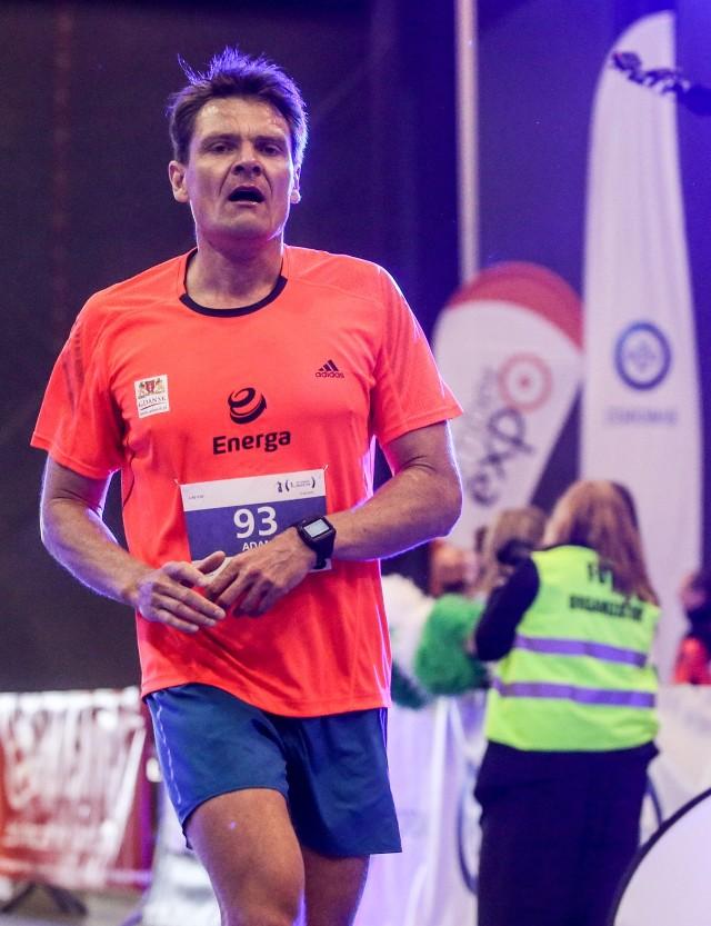 W maju Adam Korol brał udział w maratonie w Gdańsku