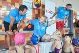 Otylia Swim Tour wystartował! Blisko stu młodych adeptów pływania ćwiczyło w Świebodzicach