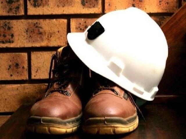 Produkcja cementu nie jest jedynym ze wskaźników sytuacji w branży budowlanej. Jeśli coś tu się źle dzieje rośnie też upadłość firm.