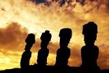 Wyspa Wielkanocna. Wielka Ziemia i wielkie moai na krańcach świata