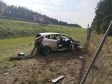 Wypadek na autostradzie A2 w gminie Nowy Tomyśl. Lądował śmigłowiec LPR. Dwie osoby trafiły do szpitala. Zobacz zdjęcia