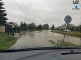 Podtopienia w powiecie krakowskim. Rozlewiska, zalane posesje, powalone drzewa, strażacy w gotowości