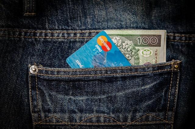Płatność kartą w internecie. ING Bank wprowadza tę zmianę z powodu dyrektywy unijnej PSD2.