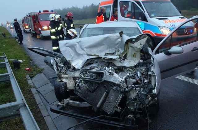 Wypadek na autostradzie w Leszczach.