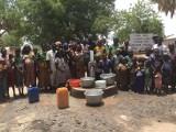 Mieszkańcy Podkarpacia zbierają makulaturę i z jej sprzedaży finansują budowę studni w Afryce. Powstało ich już 28 [ZDJĘCIA]