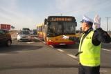 Autobusem na cmentarz w Kielcach i Cedzynie. Jak będzie wyglądała komunikacja miejska 1 listopada?