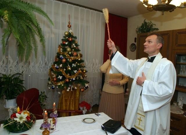 Do wypełnienia ankiety zachęcają księża podczas kolędy. Jej wypełnienie zabiera około 20 minut