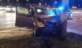 Wypadek na skrzyżowaniu ulic Piastowskiej z Kazimierza Wielkiego. Jedno z aut świadczyło usługi przewozu osób (zdjęcia)