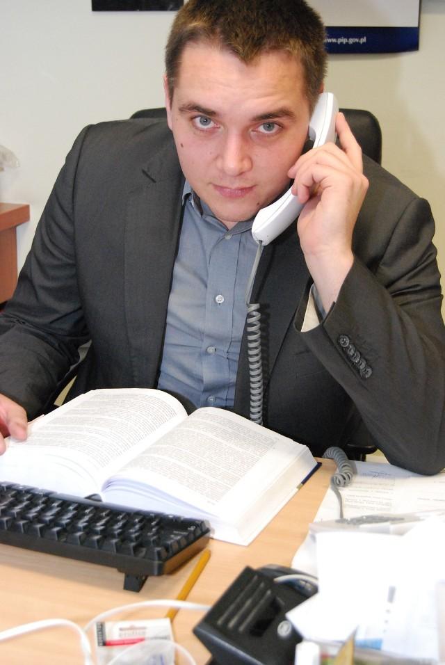 Wypadek w pracy. Co robić? Na pytania odpowiada Marcin Jedwabny z Państwowej Inspekcji Pracy w Poznaniu