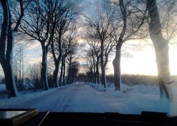 Zima w tym roku nie zaskoczyła służb odpowiedzialnych za drogi krajowe. Inaczej było na drogach gminnych.