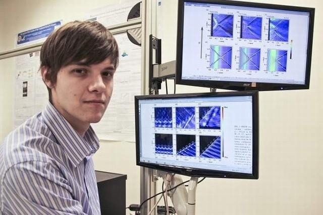 Vladimir Bessonov swoją rozprawę przygotowywał w Zakładzie Fizyki Magnetyków na Wydziale Fizyki UwB