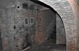 Tak wygląda dziś piwnica w Kaliszu, gdzie w czasie wojny był areszt Gestapo