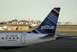 USA: jeden z pasażerów wysmarkał się w kocyk w samolocie i zapłaci za to 10 tysięcy dolarów kary