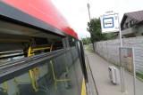 Wypadek na Maślickiej. W autobusie MPK wypadł 10-kilogramowy lufcik. Ranny pasażer (ZDJĘCIA)