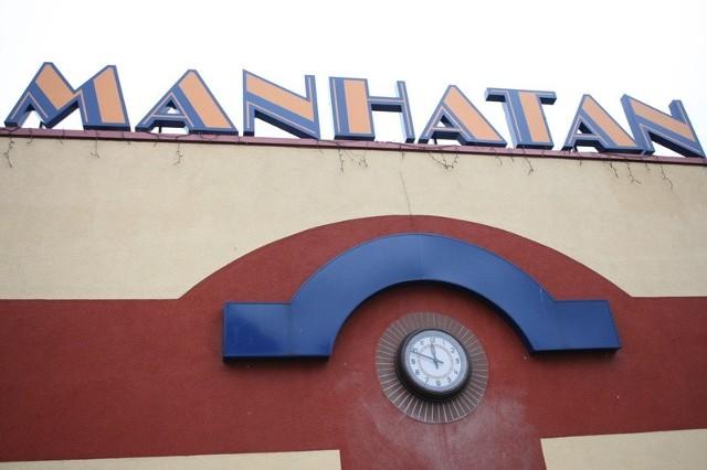 Nowy zegar na targowisku Manhatan w Słupsku.
