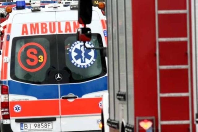 Lekarz pogotowia stwierdził śmierć uwolnionego z auta kierowcy