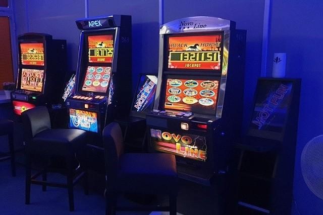 Funkcjonariusze Krajowej Administracji Skarbowej zlikwidowali w Pabianicach nielegalny salon gier.