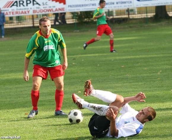 Marek Mrzygłód (z lewej) odszedł z Sokoła Nisko i teraz będzie grał w Tłokach Gorzyce.