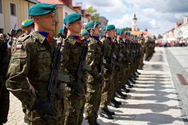 Szkolenia rezerwy i służba przygotowawcza. Wojsko ma być szansą dla bezrobotnych