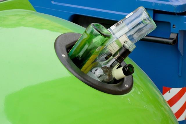 ustawa śmieciowaNowe przepisy mają m.in. umożliwić gminom indywidualne rozliczanie mieszkańców bloków z segregacji śmieci.