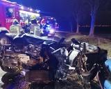 Koszmarny wypadek BMW. Z auta nic nie zostało, kierowcę wyciągano z wraku 40 minut! [ZDJĘCIA]