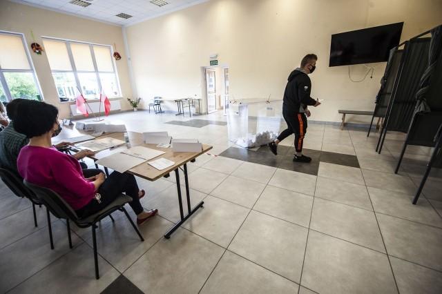 W referendum w Będzinie wzięło udział ponad 1600 osób, o około 200 za mało.