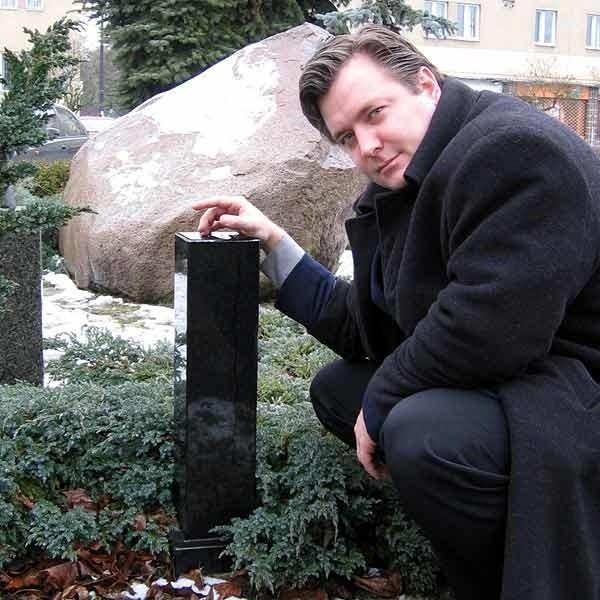 - Odlew dłoni wróci na swoje miejsce - zapowiada Bartosz Kopyto, rzecznik prezydenta Stalowej Woli.